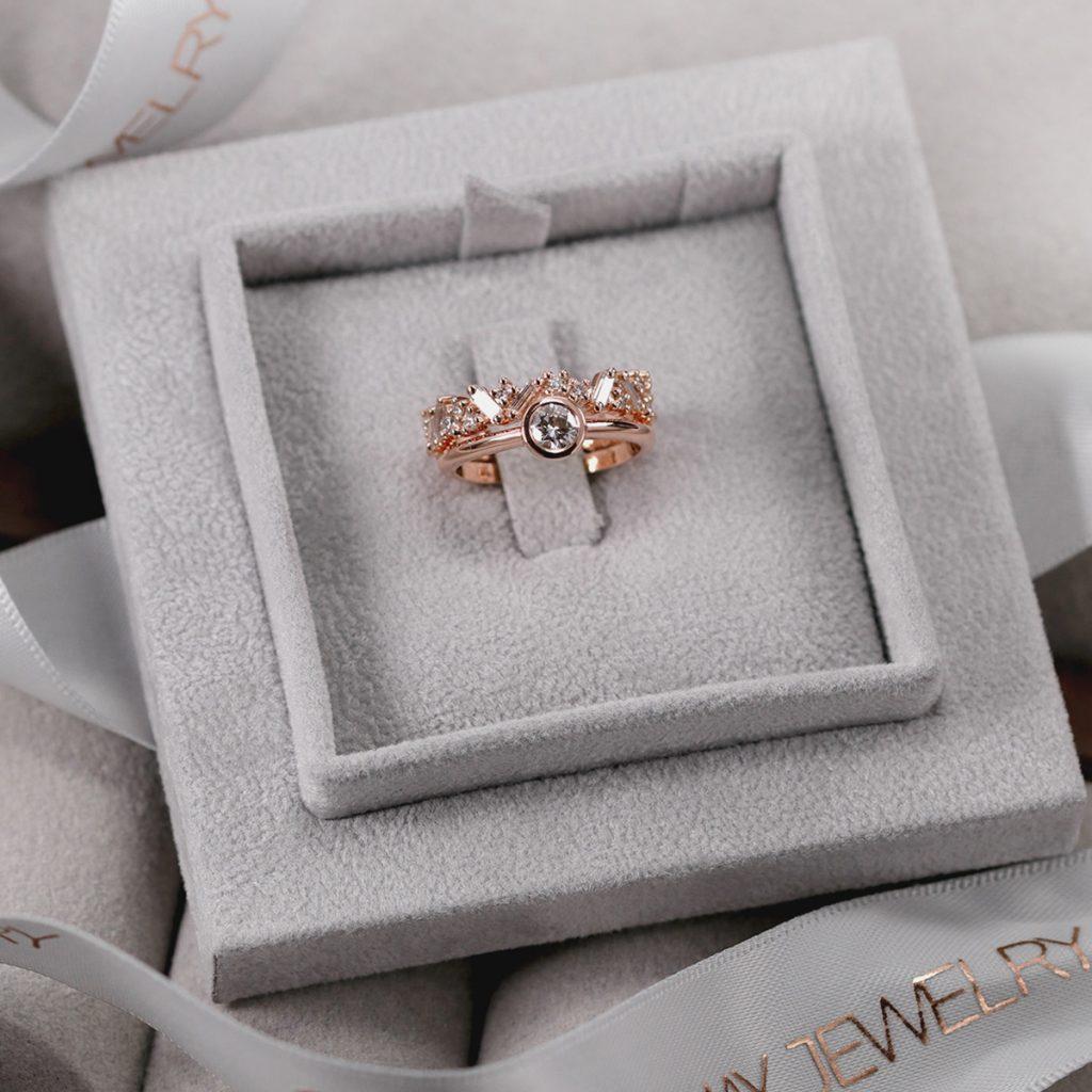 Custom_stacking_diamond_band_baguette_brillint_bridal_set